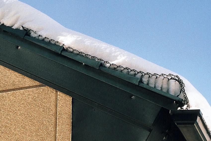 横葺き金属屋根で降雪時/スーパーゆきもちくん